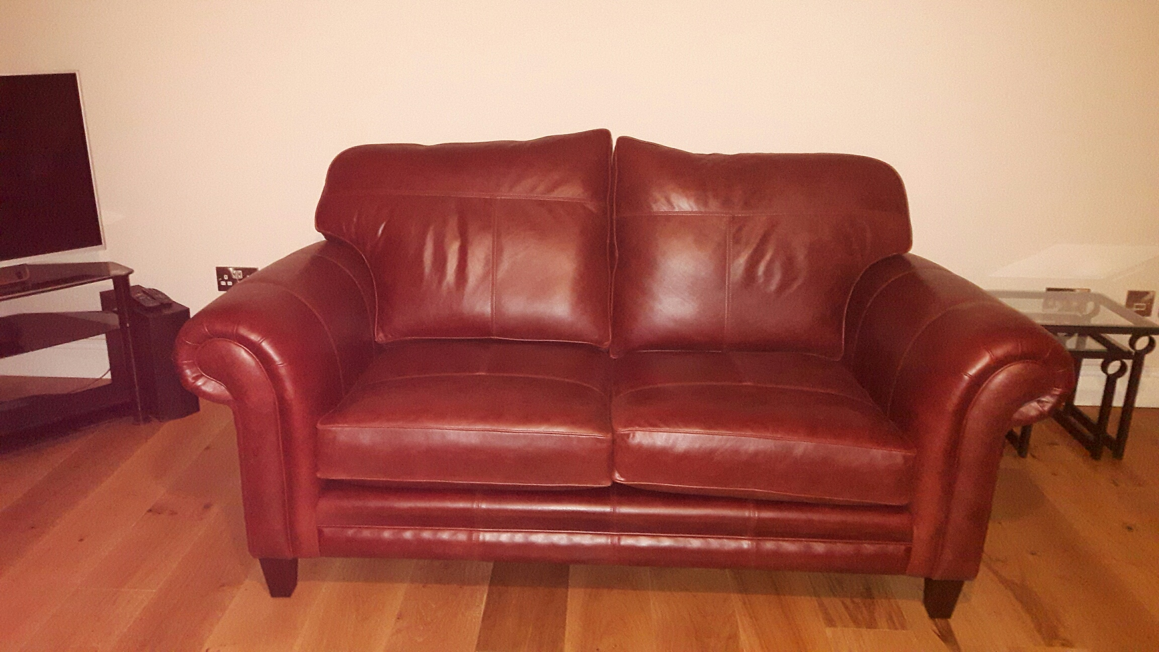 Leather Louis Small Sofa - Mustang Chestnut